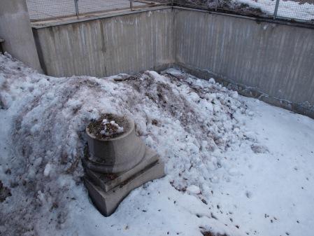 Neve gettata sui muri romani. Così romantica...