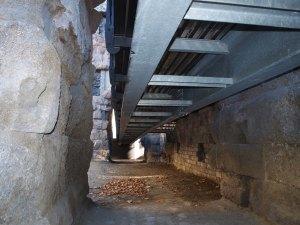 Cosa vi colpisce di più, la pietra romana o il ferro contemporaneo?