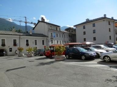 I turisti porteranno nel loro cuore questa bella cartolina di Aosta!