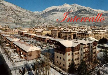 Il Quartiere Cogne sotto la neve durante gli anni '70.  Pagina fb: Virtual Museum Vallée